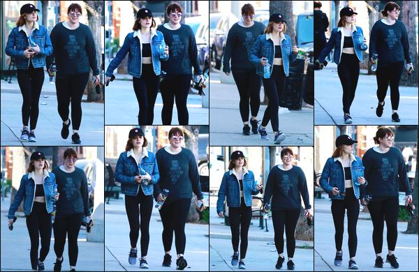 ''• '18/02/18:''   Lucy Kate Hale a été vue quittant la salle de sport avec une amie se situant dans Studio City, en Californie. La belle portait une tenue de sport ainsi qu'une veste en jeans bleu ! Je lui accorde un grand grand top pour sa tenue, quel est ton avis ?