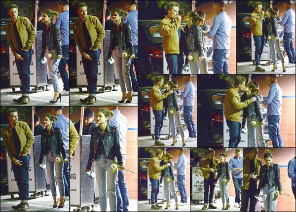 ''• '14/02/18:''   La jolie Lucy Hale a été aperçue embrassant un mystérieux jeune homme dans les rues de Los Angeles. Effectivement après un bon diner les deux tourtereaux semblaient très très proches ! Je lui accorde un grand grand top pour sa tenue.
