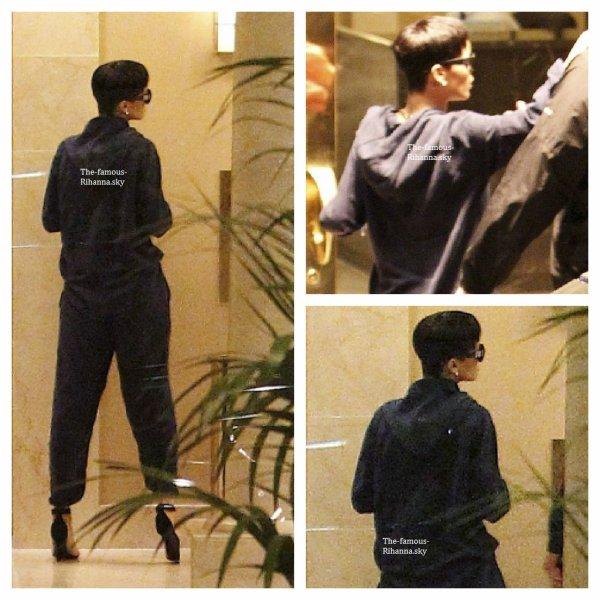 Rihanna arrive chez elle à Los Angeles