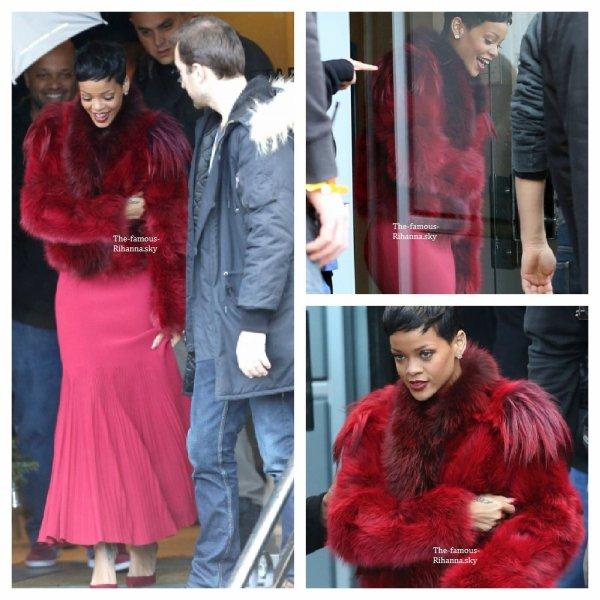 Rihanna quitte le palais des sport dans la matinée