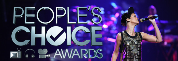 "Rihanna gagne un prix au "" People's Choice Awards """