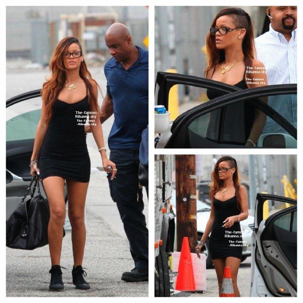 """Rihanna arrive sur le tournage de """" Stay """""""