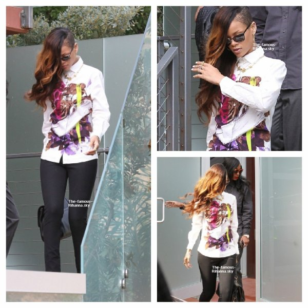 Rihanna sort de le résidence de Chris Brown à Los Angeles