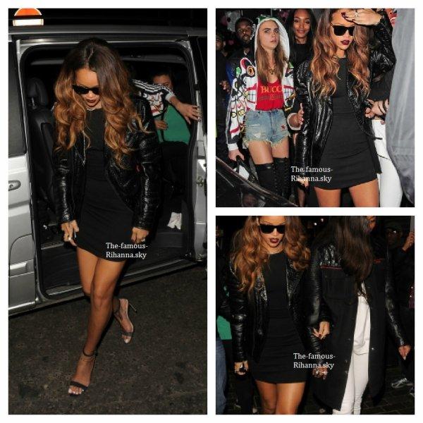 """Rihanna se rend au club """" The Box """" à Londres"""