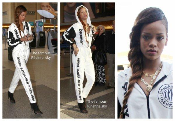 """Rihanna a l'aéroport """" LAX """" de Los Angeles"""