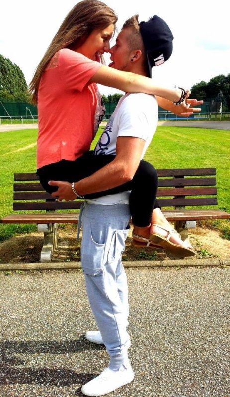 Un amour de jeunesse, un amour si fort mais un amour qui nous blesse