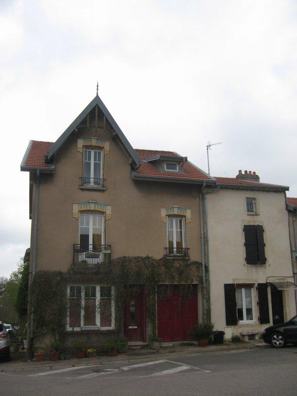 Liverdun : les vitrines disparues du village .