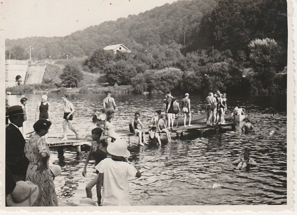 Liverdun : les baigneurs et baigneuses les W.End de la pentecôte