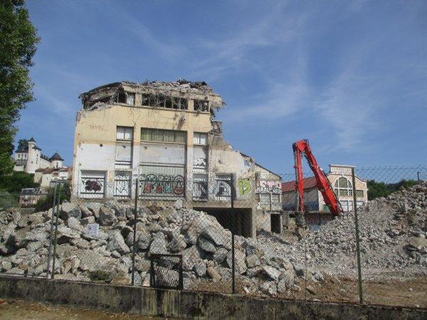 Liverdun : Construction /déconstruction Lerebourg.