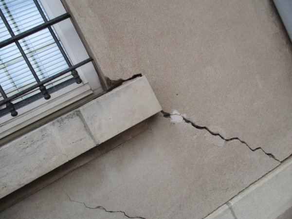 Liverdun : Le bâtiment de la mairie se fissure...