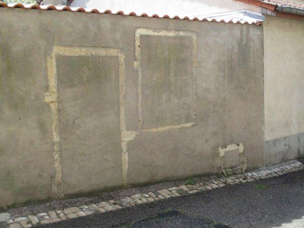 Les murs ont une histoire .