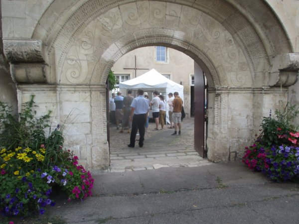Liverdun : La cour des artistes. ( I )