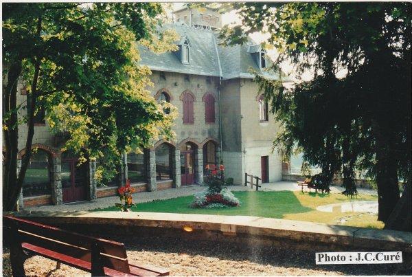 Le château de la tour  ( I I )