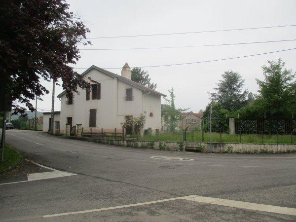 Liverdun : rue du bac .