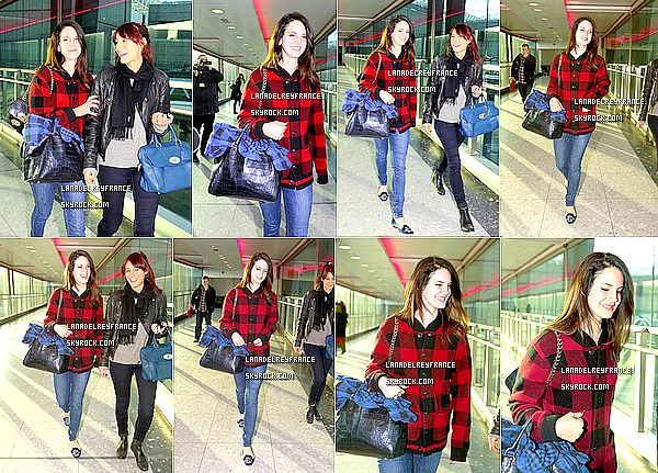 Candid de Lana à l'aéroport de Heathrow. + Candid de Lana à la London Fashion Week. + Born To Die, l'album le 4ème plus vendu en 2012.