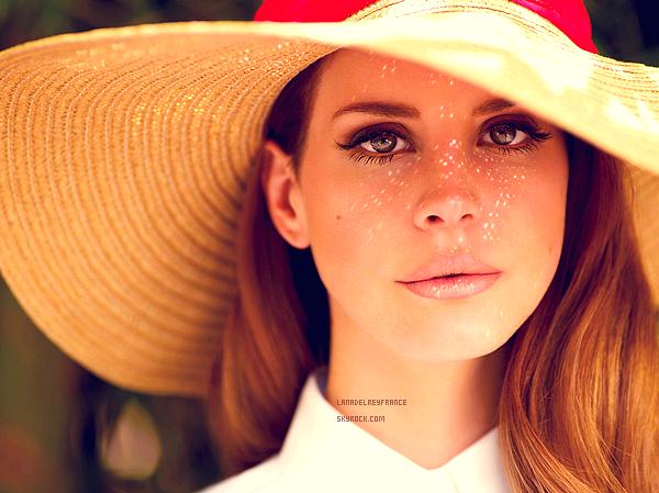 """27/03/2013 : Nouvelles photos par Nicole Nodland. 27/03/2013 : Nouveau clip officiel de Lana Del Rey, posté sur VEVO. 28/03/2013 : Nouvelle photo du photoshoot """"Dreamland"""" par Chuck Grant."""