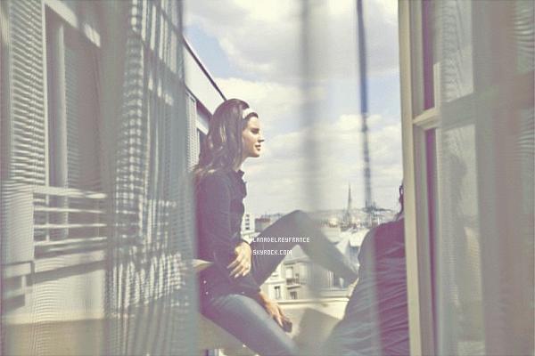 17/04/2013 : Nouvelles photos de Lana sur internet. 18/04/2013 : Photos du concert à Dusseldorf. 19/04/2013 : Nouvelle cover de Lana avec son copain.
