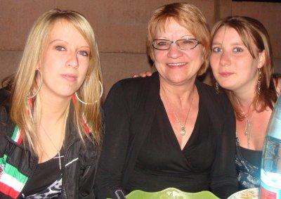 Julie, ma Confidente & moi .... L'amitié double les joies et réduit de moitié les peines.