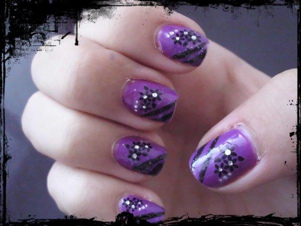 violet avec fleurs