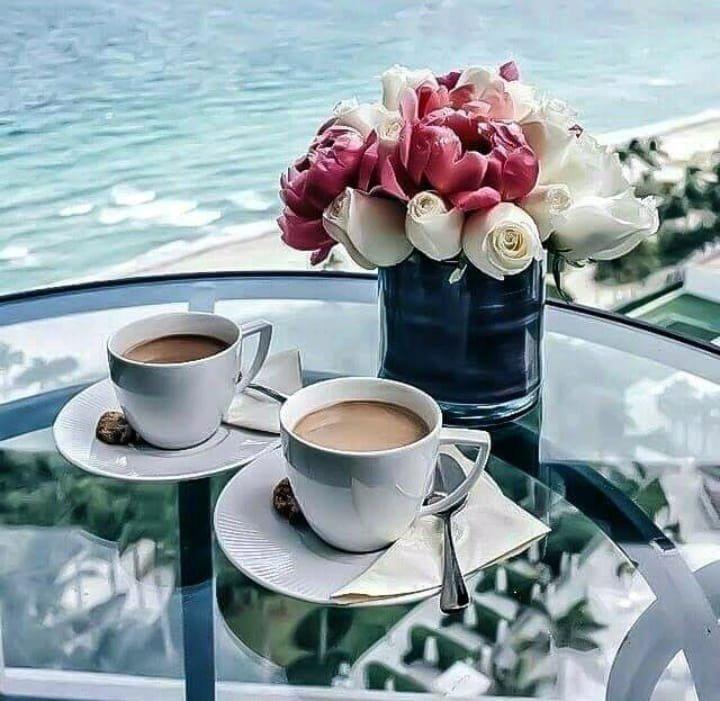Je vous souhaite à tous un excellent dimanche, profitez en bien pour vous reposer. GROS BISOUS
