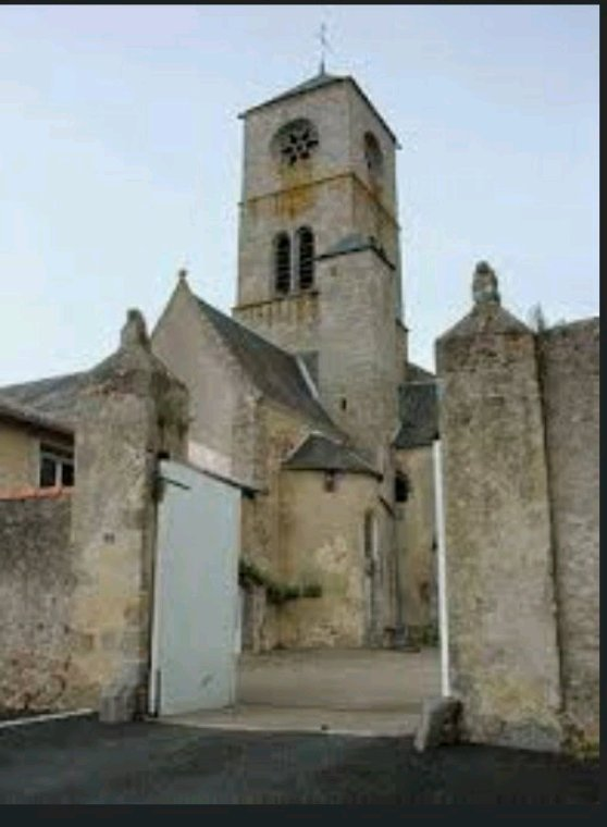 Argenton les vallées, maintenant  Argentonnais  ,l'Église