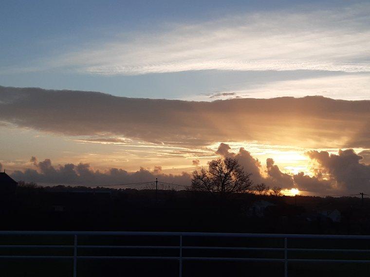 Le coucher de soleil ce soir , bonsoir à tous