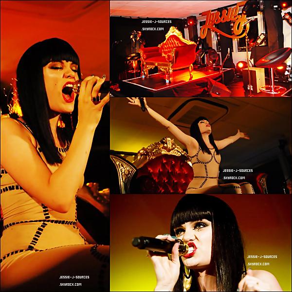 """7.09.11 - Jessie J à participé a la VEVO Summer Party, dans un lieu encore inconnu, et a interprété son hit """"Domino"""" 9.09.11 - Jessie était à l'émission """"Red Or Black"""" est a interprété """"Who's Laughing Now"""", en directe en compagnie de la """"mini"""" Jessie ."""
