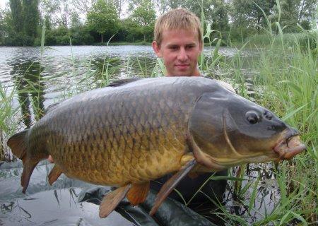! !... pêche rapide en graviere ...! !