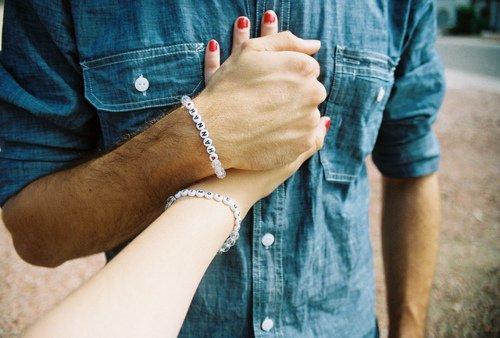 L'amour peut nous sauver ... mais qu'est-ce qui pourrait sauver l'amour ?