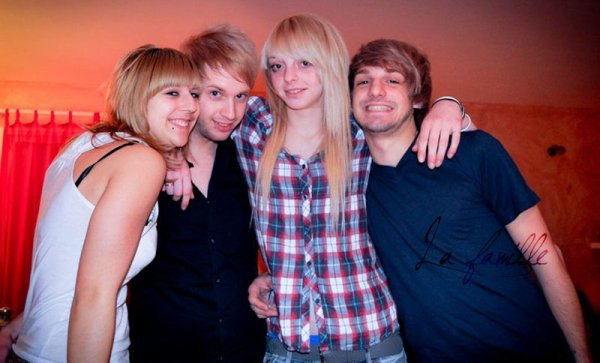 BLOND'PARTY : Si si la famille !
