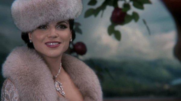 Regina & la méchante Reine  [Info Trinity Stars]