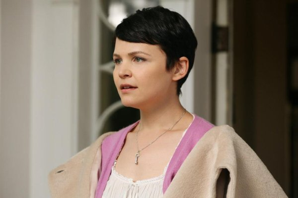 Ginnifer Goodwin / Mary Margaret Blanchard & Blanche Neige