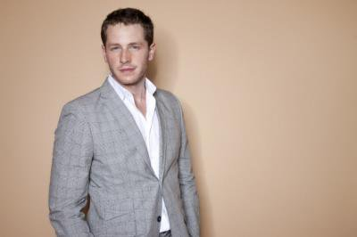 Joshua Dallas / Josh Dallas - James, le Prince charmant / John Doe / David Nolan