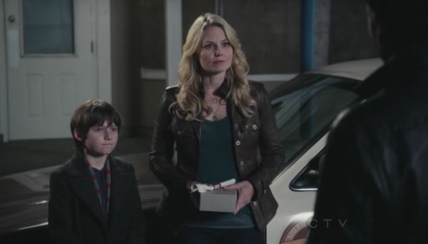 Emma Swan / Jennifer Morrison [Page Wiki Once Upon A Time]