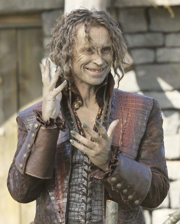 Tracassin - Rumplestiltskin - La Bête - Le Crocodile / Robert Carlyle  [Page Wiki Once Upon A Time]