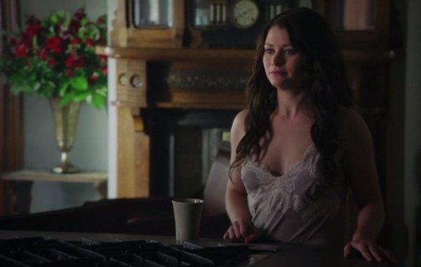 Evana French / Emilie De Ravin  [Page Wiki Once Upon A Time]