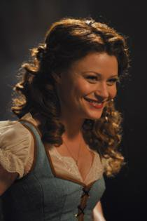 Belle / Emilie De Ravin [Page Wiki Once Upon A Time]