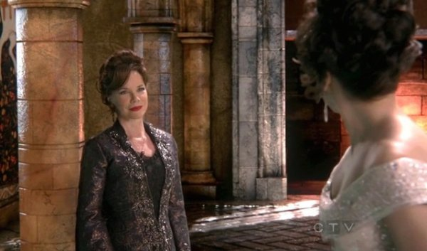 Cora (mère de Regina) / Barbara Hershey [Page Wiki Once Upon A Time]