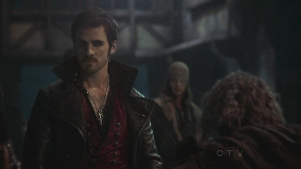 Killian Jones - Capitaine Crochet / Colin O'Donoghue [Page Wiki Once Upon A Time]