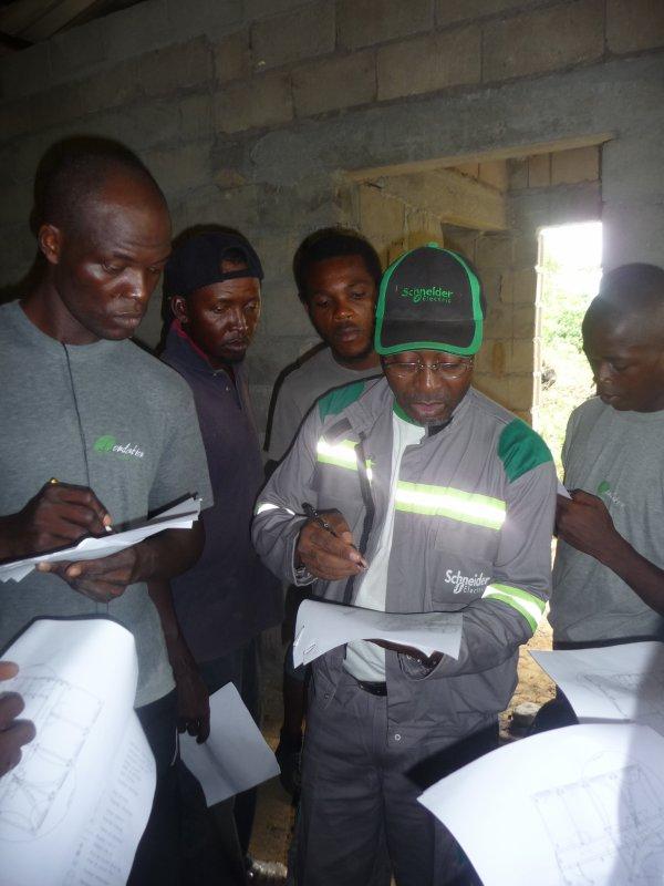 La formation en électricité à l'oeuvre