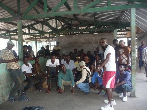 Au marché Sandaga, une école ...