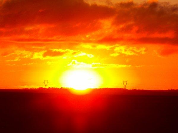 lever du soleil  magnifique  j'aime ces instants magique