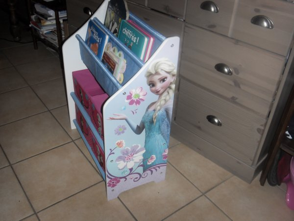 futur petit meuble  pour la chambre de ma tite princesse monter