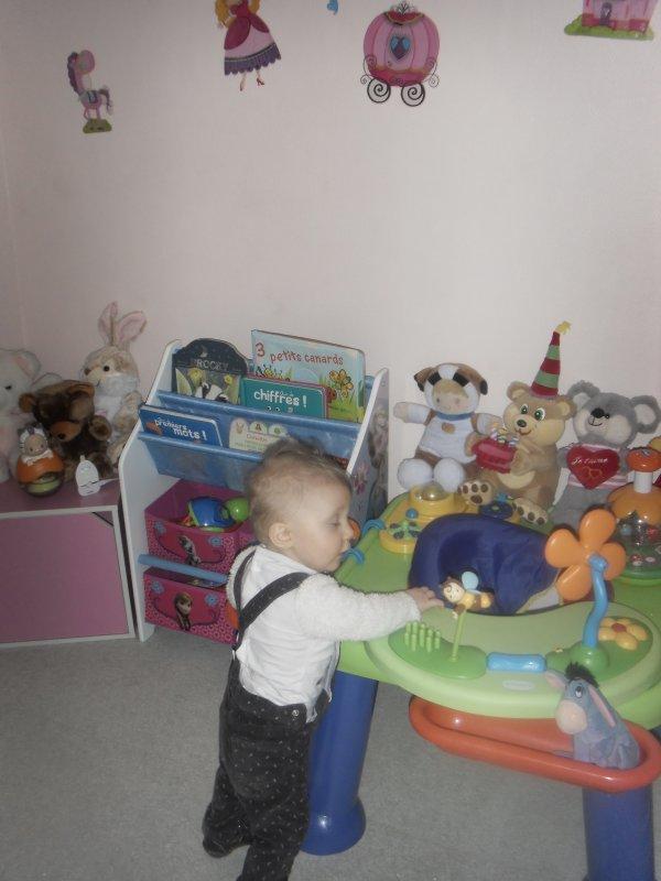 ah ye sa prend forme la chambre de ma tite princesse , elle a sa chambre