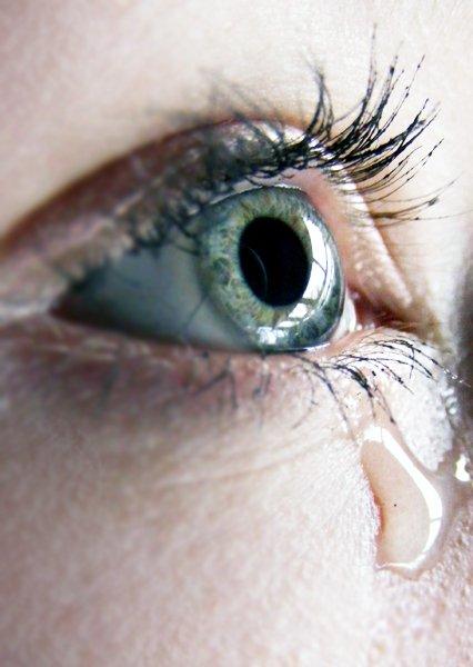 Se réveiller avec des larmes séchées sur les joues...
