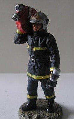 pompier avec tuileau