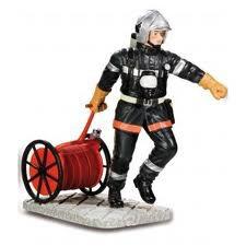 pompier avec dévidoir