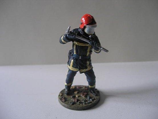 pompier avec pie de biche