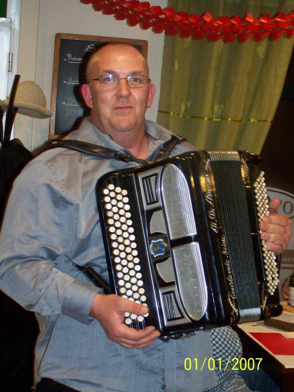 Vendredi 29 Avil 2013, la soirée polonaise était animé par un accordéoniste qui a su mettre l'ambiance. En plus du plaisir des papilles, il y avait le plaisir de l'écoute. Merci à Jean Francois