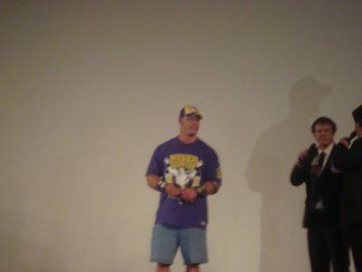 J'ai serrer la Main de John Cena =)